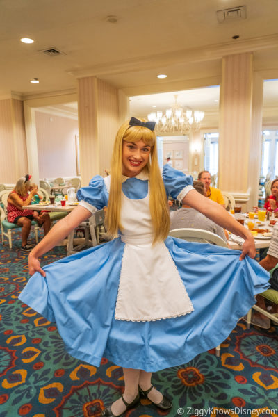 What to Wear at Disney World in April