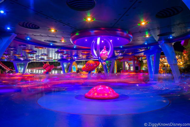 Alien Swirling Saucers Disney World Ride