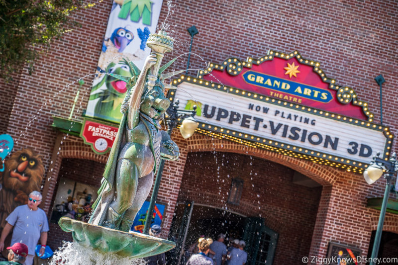 Miss Piggy statue outside Muppet*Vision 3D
