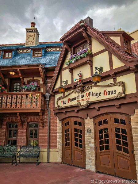 Pinocchio Village Haus Magic Kingdom