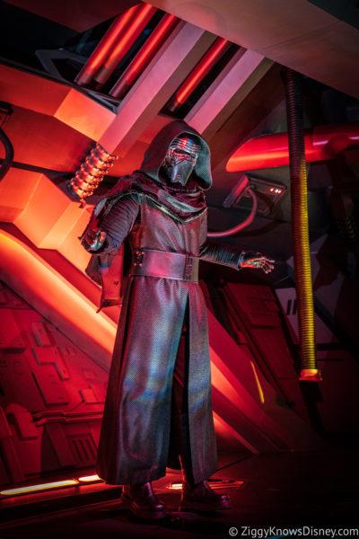 Rise of the Resistance Kylo Ren animatronic