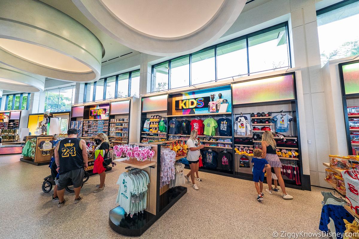 Kids display Creations Shop EPCOT