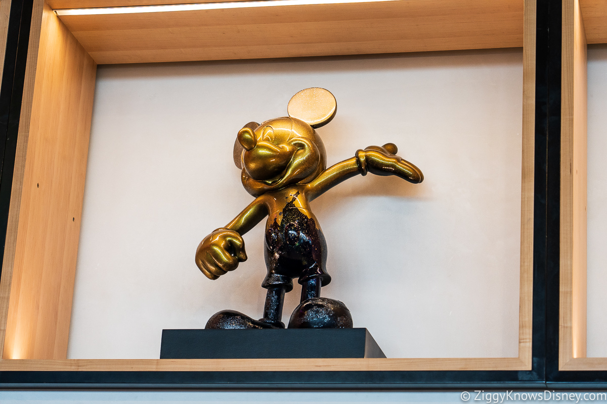 Creations Shop Golden Mickey Mouse EPCOT