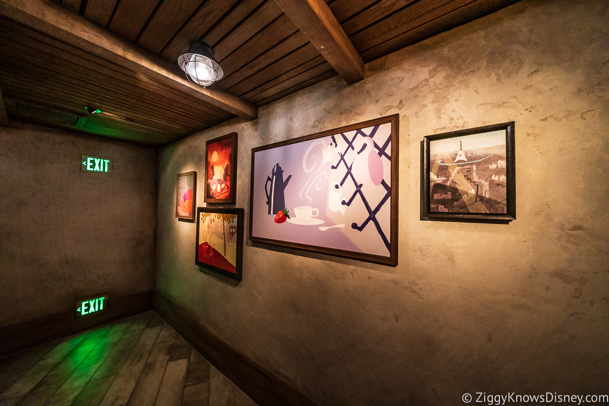 Paintings on the wall of the queue
