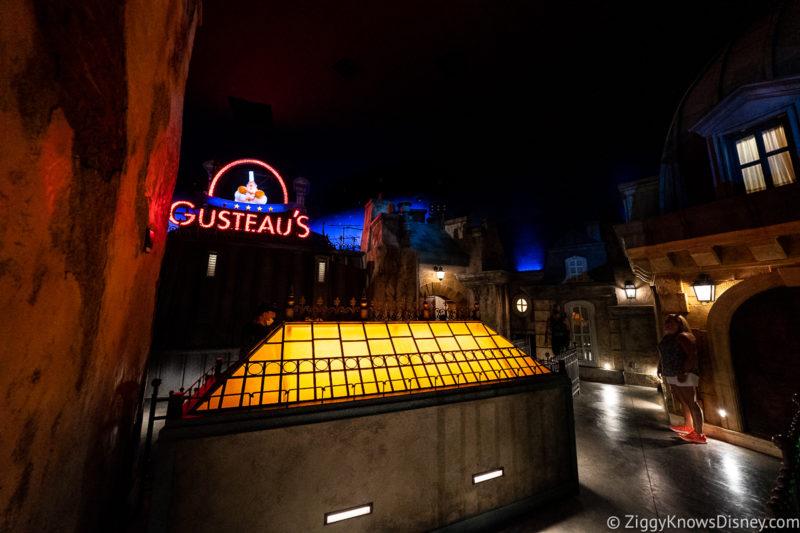 Rooftop scene in the queue Remy's Ratatouille Adventure